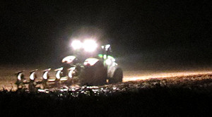 Night-time ploughing in Wichenford